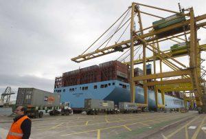 Un buque con contenedores